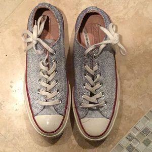 Converse chuck taylors unisex shoes